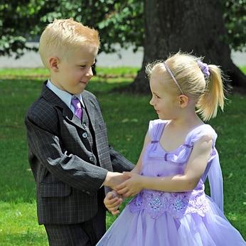 garde d'enfant pendant les mariages à Marseille